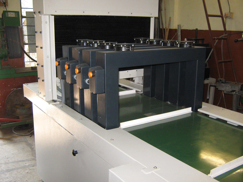 tunnel-type-demagnetizers-with-belt-conveyor